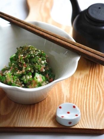 オクラと明太子をあえるだけ。温泉卵や納豆と合わせて丼にして頂いても美味しいですね!