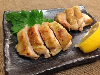 さっぱりいただける鶏肉に使うことで、爽やかなわさびの香りが口の中いっぱいに広がります。  火を通すので辛すぎず、バランスもGOOD!