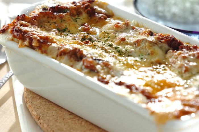 ミートソースとホワイトソースの層が特別な美味しさの本格ラザニア。ソースそのものの美味しさを味わう他、季節の野菜を挟んでもいいですね。