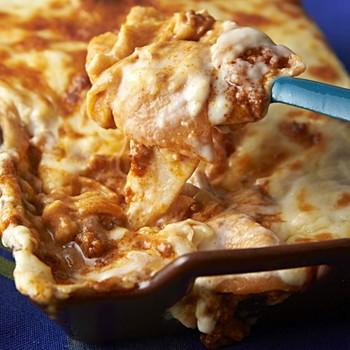 パスタの代わりに板状のお麩を使って作るラザニアです。ふにゃっとした食感がまるでチーズのようで、ソースとも良く合いますよ。