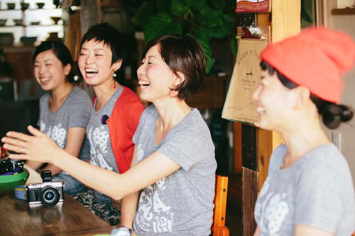 vol.24 小豆島カメラ – 「島の暮らし」を発信する7人の女性がまちと人を変えていく