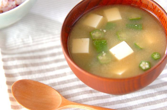 【オクラ】夏野菜のオクラのとろみはお味噌汁と相性バツグン!例えるなら、なめこのような感覚で使えます。