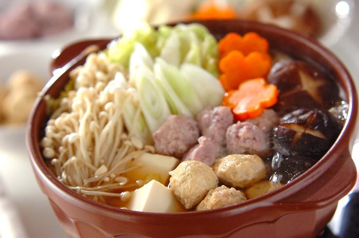 エスニックな鍋料理を楽しむなら、こちらのタイ風ちゃんこ鍋もおすすめです♪美味しい海鮮やお肉、そして野菜もたっぷりとれるので栄養抜群。レタス・空芯菜・ワンタンなどは火が通り過ぎないよう、食べる直前に入れるのがポイントです。