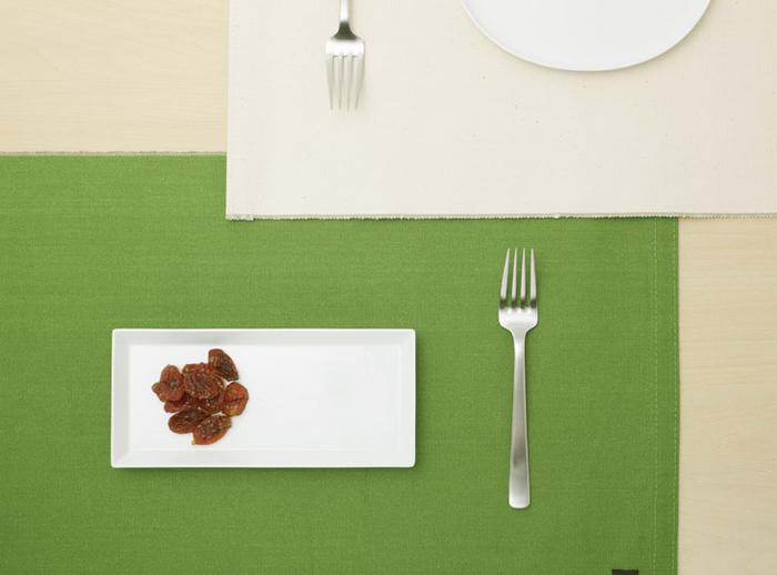 【ランチョンマット】 帆布の自然な風合いが、食卓を優しくしてくれます。