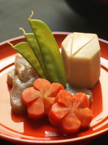 野菜を一緒に煮ることから、家族みんなが仲良くいられるという意味が込められています。