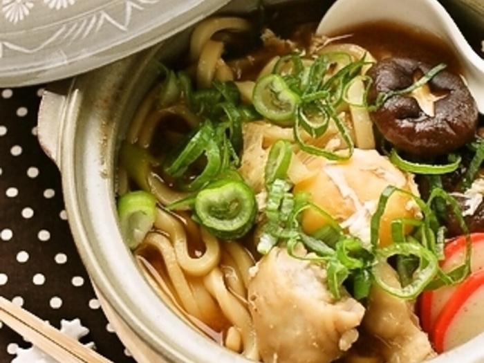 名古屋では味噌煮込みうどんといえば八丁味噌を使うのですが、こちらは九州の麦味噌を使用しています。安心安全な無添加の生味噌で食べるうどんは格別です。