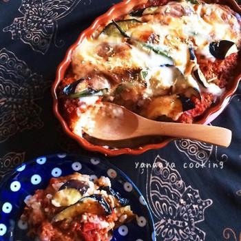 大人も子供も大好きなミートソースをたっぷり使ったドリアは絶品です。オーブンでトロトロに加熱されたナスとの相性もGOOD。家族みんなが喜ぶレシピです。
