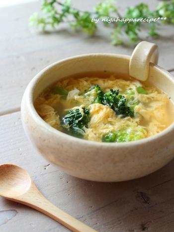 5分でできちゃう、ブロッコリーと卵のスープ。さっと朝に食べられて、トーストともよく合います♪