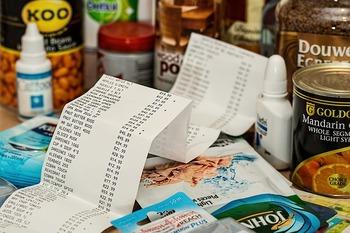 朝はかばんの中をスッキリ整理して持って行っても、買い物やお仕事帰りにはレシートや買い物した小さな物が。。。