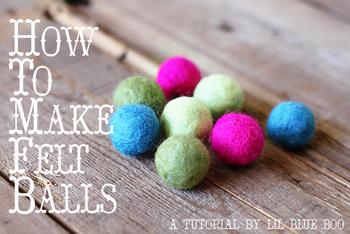 ただフェルトを丸めるだけではすぐに形が崩れてしまうフェルトボール、一体どのように作るのでしょうか? フェルトボールの作り方は簡単なので、一度作ればすぐに覚えられますよ♪ 材料もフェルトを買えば、あとは家にあるものだけで作れるところも魅力的です♡
