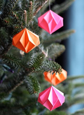 クリスマス 折り紙 壁飾り手作り折り紙 : kinarino.jp