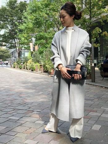 リバーシブルのウールコートは、冬コーデのヘビーユーズアイテム間違いなしです。柔らかい質感が、きちんとしたコーデの中にもリラックスした印象を与えてくれています。