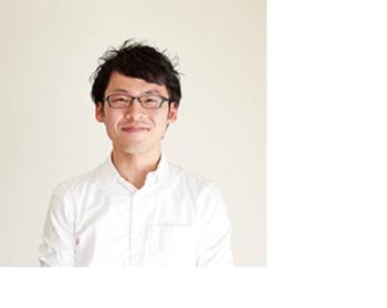 冨田さんは、1980年、山口県下関市うまれ。 南山大学を卒業し、中食産業の会社に勤務後、辻調理師専門学校で学び、日本料理店で板前として修業。再び企業で商品開発に携わった後、2008年から和食レシピサイト「白ごはん.com」スタート。著書は「白ごはん.comの5分・15分・30分で『和』のおかず」 (講談社のお料理BOOK)、「家族の顔を見ながら、毎日ごはんを食べたいと思った。」(リベラル社)、ほか。一女の父。
