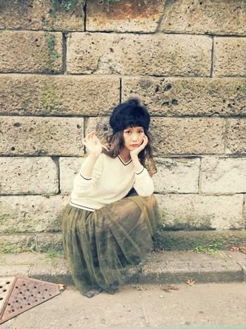 丸いシルエットがかわいいベレー帽も、ファー帽子にすればふわふわでよりかわいさアップ。