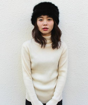 フワフワでかわいいだけじゃなく防寒にも最適なファー帽子を、今冬のファッショに取り入れてみてはいかがでしょうか。ぜひ、参考にしてみてください!