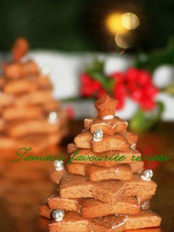 ドイツのクリスマスには欠かせないレープクーヘンは、ハチミツ入りの型押しの固いクッキー。湿気にくいクッキーなので、クリスマスまでお部屋に飾って楽しみます。デザートテーブルのセンターピースにいかが?