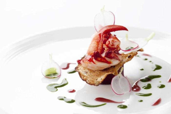 料理人が選ぶ世界で最高の料理人100人の中に選ばれるピエール・ガニェール。2015年にはフランスのミシュラン2ツ星に輝いています。