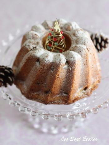 フランス、アルザス地方に伝わる伝統のお菓子。グランマルニエとドライフルーツで、深みのある味わいです。