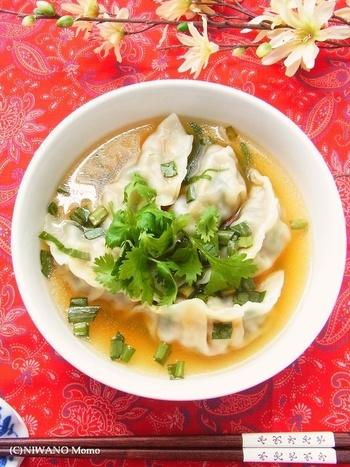 寒くなってきたこれからの時期に食べたいのが、あったか水餃子ですね。スープやお鍋と一緒に、味を買えて毎日でも食べたくなる優しさ♪