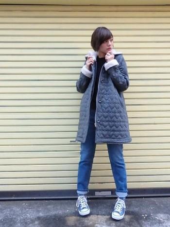 こちらの「MILKFED.(ミルクフェド)」のキルティングジャケットは袖口にモコモコが。おしりが隠れる丈なので温かい上に体系カバーもできます。