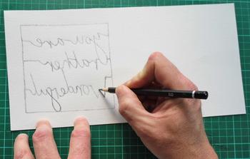 切り抜き用の紙にトレースできたら、トレーシングペーパーを外して、線を必要に応じて太くしたり書き足したりして修正します。