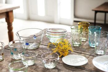 お人柄を表しているように、深さや優しさ、柔らかい輝きのあるガラスたち。