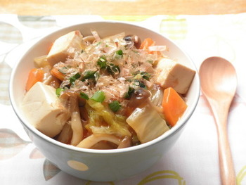 白菜と豆腐の相性が抜群。しょうが入りのあんかけで身体の心からぽっかぽかに。