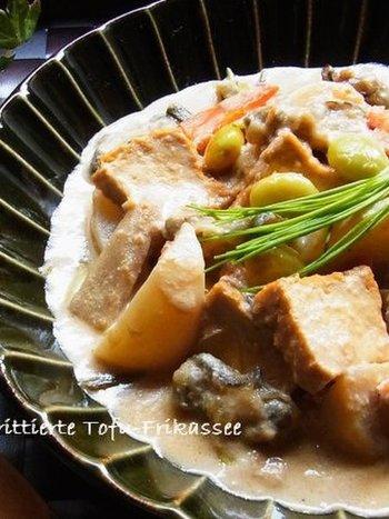 冬の美味しい食材、牡蠣と厚揚げを使用しています。一口食べれば心もほっこり温まりますよ。人参・ゴボウなど根菜もたっぷりで食物繊維も豊富です♪