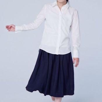 服であるので、せっかくだからちゃんと愛用してもらいたいですよね。ふくてがみは日本の職人が丁寧に作りあげ、素材感にもこだわった、老若男女だれでも着こなしやすいシャツです。 photo:アキタカオリ