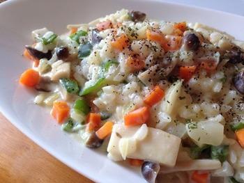 たくさんのお野菜を使ったリゾット。豆乳のまろやかさと野菜のうま味が美味しく出る一品。きのこ類ともよく合います。