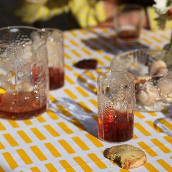 フローラでいただく飲み物には特別感があって、おしゃべりもはずみます。たっぷり入るピッチャーも大活躍です。