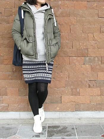 ニットスカートは今年流行のアイテム。暖かくてかわいらしくて重宝します。