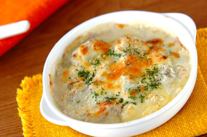 旬の牡蠣とホワイトソースの相性抜群のグラタンレシピ♪ごろっと入っている牡蠣が贅沢な逸品❤