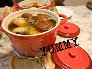 ニンニク香るオイルで熱々で楽しむアヒージョ♪おつまみの1品レシピに加えてみてください!