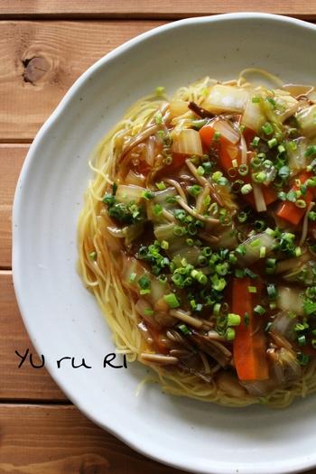 かた焼きそば気分で食べられる野菜あんかけ焼きパスタ。かた焼きそば好きの方には、また新鮮なおいしさかも♪野菜たっぷりで栄養満点。