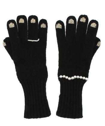 こちらは、パールのリング&ブレスレットタイプ。黒い手袋にパールが映えて上品でかわいい仕上がりです♡ギフトにもおススメ!