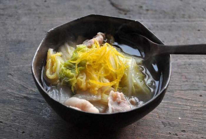 これからのシーズン甘味が増して美味しくなる白菜を使ったスープです。しょうがも入って内側からポカポカ。是非ゆずの香りと共にお楽しみ下さい。