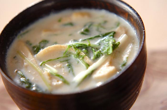 豆乳のマイルドな味がお口に優しいレシピ。寒い日には、しょうがをプラスしてあげても良いですね。水菜がしっかりマッチして、おいしくいただけますよ。