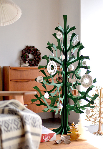 こちらが120cmのクリスマスツリー。オーナメントを飾ればよりクリスマスムードたっぷりに♪