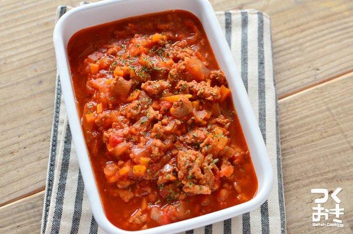 野菜もたっぷりとれるヘルシーミートソース♪冷蔵で5日ほど保存も可能です。