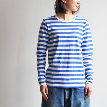 オリジナルファブリックを使用したボーダーTシャツの魅力は、なんといっても着心地。コットン素材を100%使用した生地は、素肌に着ても気持ち良く、着込むほどに体に馴染んでいきます。