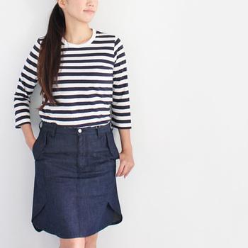 七分袖はより軽やか。薄手で柔らかい生地感なので、夏場に腕まくりをして着ても。
