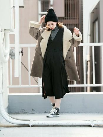 今は、フェイクムートンのコートもたくさん出ていて、カラーやデザインも豊富にあります。保温性で言ったら本物のムートンの方が断然温かいのですが、ファッションとして取り入れるなら、フェイクで充分!