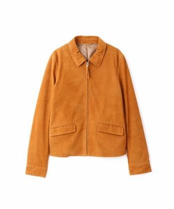 レザーとは思えないやわらかな質感が特徴的なこちらは、ヤギ革のレザージャケット。