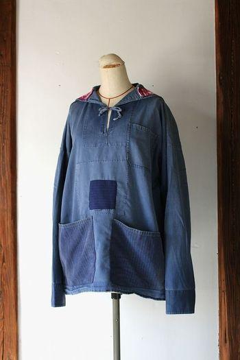 『ビンテージリメイク セーラーワークシャツ』  ドイツ製の1950年代に作られたシャツをリメイク。やわらかい生地感で、着心地もバツグンです。二つの大きめポケットがついているから実用的。