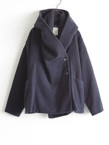 暖かなウール素材のふわっとした雰囲気が可愛い、モッサウールのジャケット。