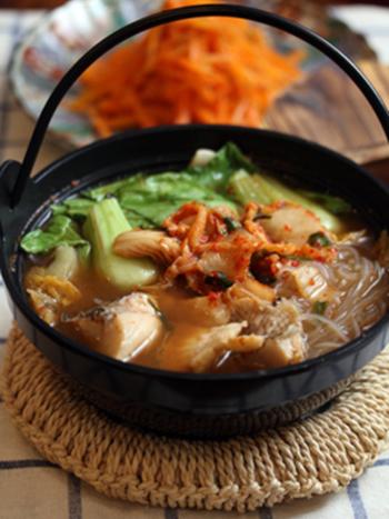 味噌とキムチの味が野菜と魚の味を引き立てます。冷蔵庫にある野菜で簡単に作れるのも嬉しいです。