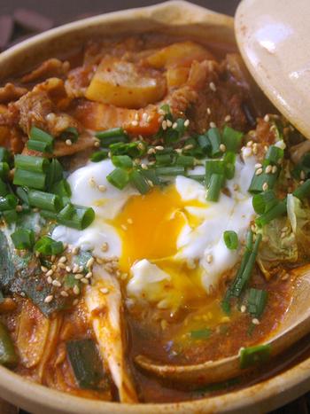 とろとろの卵がうどんにもよく合います。スープの素を使わずオリジナルでスープも作ってみませんか。このレシピなら簡単に本格的な味が楽しめます。