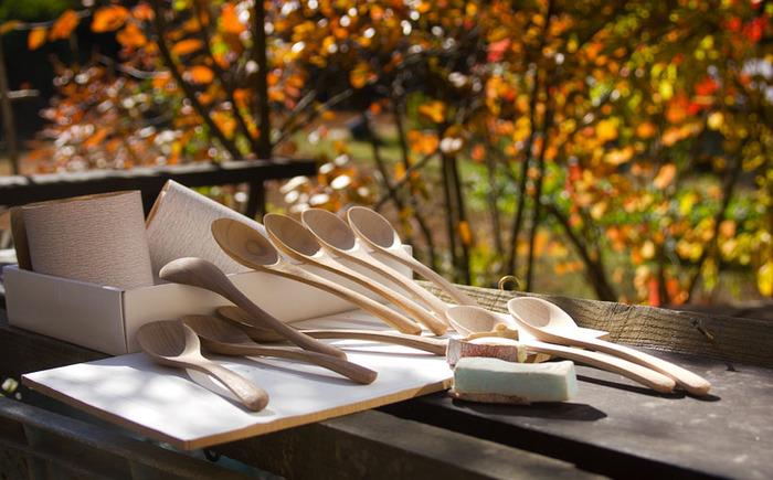 北鎌倉たからの庭のギャラリーで行われた、「スープ展」の為にデザインされた「スープのための木のスプーン」。ちょっと深めのスープスプーンです。口当たりが良さそうで、これからの季節にぴったりです。
