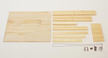 あらかじめカットされた木材、必要なネジやパーツがセットされたキットの状態で届きます。追加のパーツなどを購入する必要はありません。届いたキットと工具があれば、すぐに組み立てられる、このお手軽さがうれしいですね。